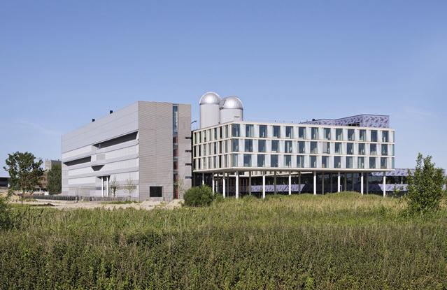 Organisations: Institute for Theoretical Physics, University